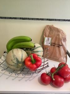 Comprar alimentos frescos de estación y evitar empaques plásticos