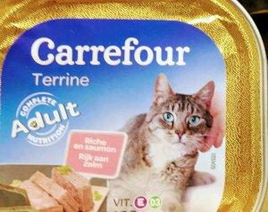 Croquetas y comida gatos